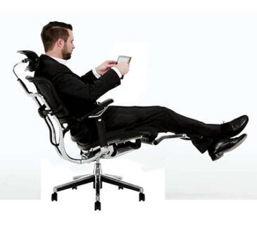cadeira-ergohuman-v2-soline-moveis-apoiando-pe-400
