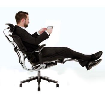 Cadeira Ergohuman com Apoio de pé V2