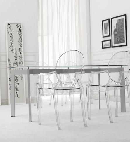 cadeira-ghost-pihilippe-starck-ambientada-600