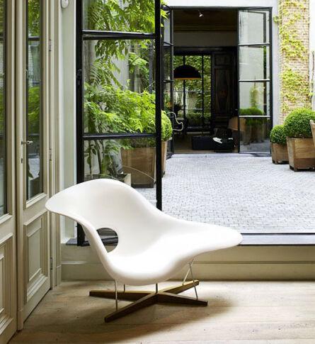 poltrona-la-chaise-charles-e-ray-eames-ambientada-600